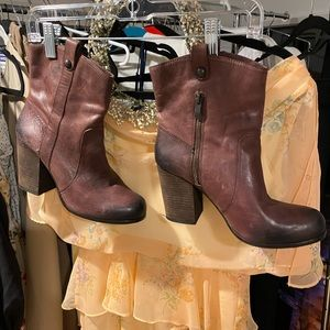 Perfect condition ankle boots